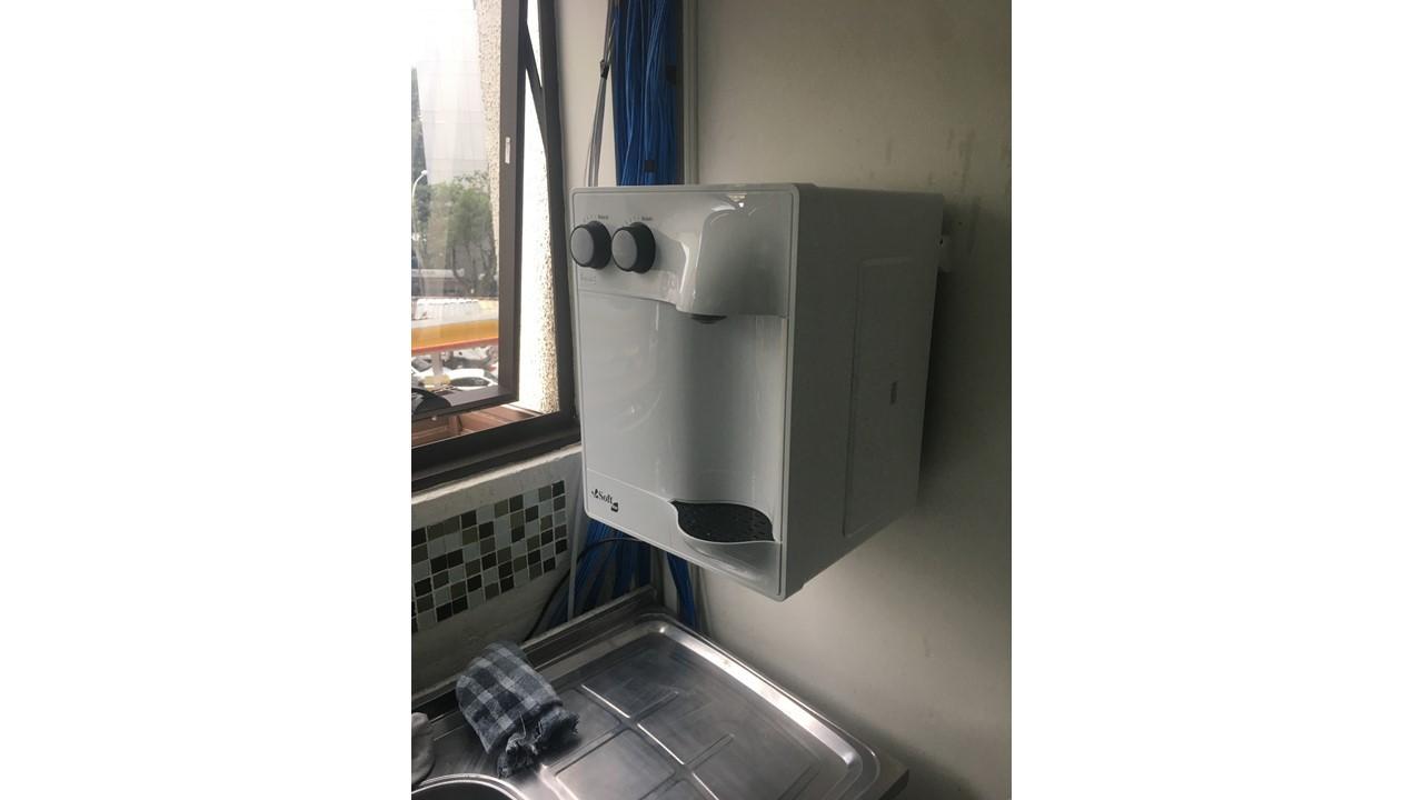 Instalação de purificador de água